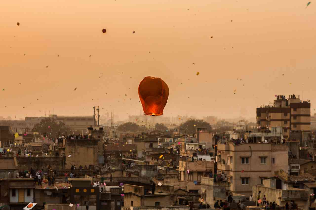 This image has an empty alt attribute; its file name is 1515063194kites8.jpg